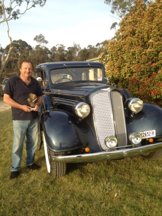 Norm Betts 1938 Buick Bungendore Car show Oct 2015